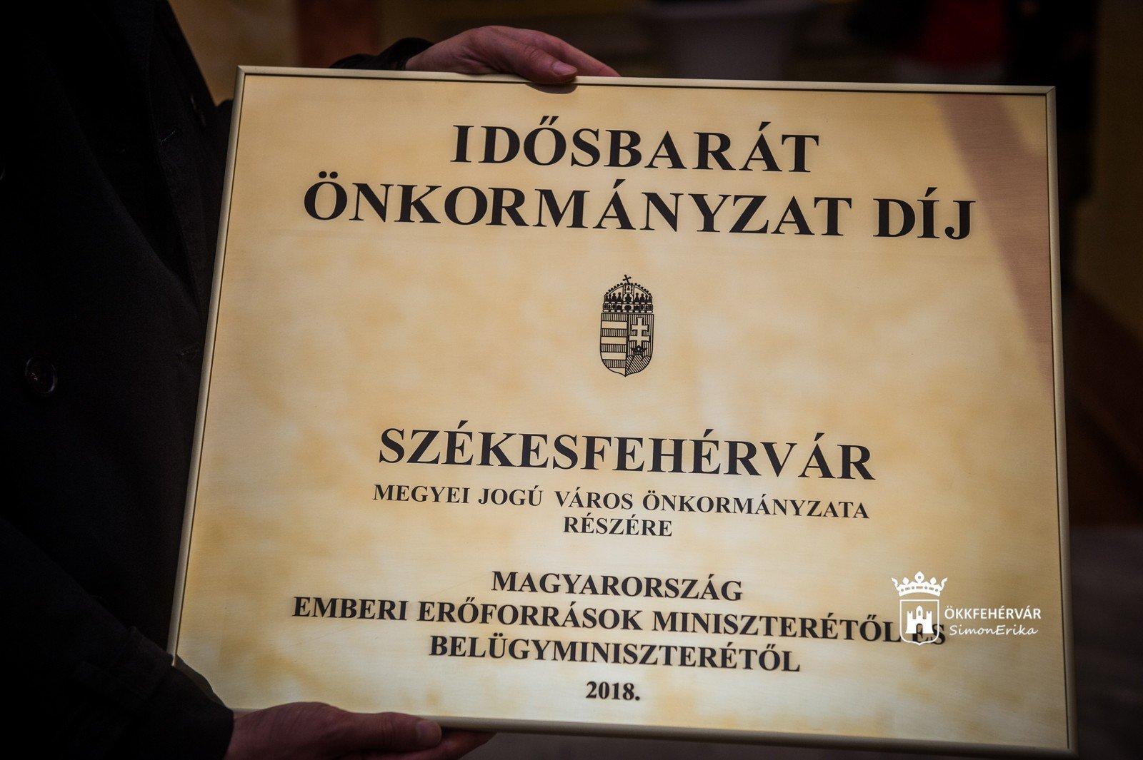 Idősbarát Önkormányzat - Székesfehérvár is miniszteri elismerésben részesült