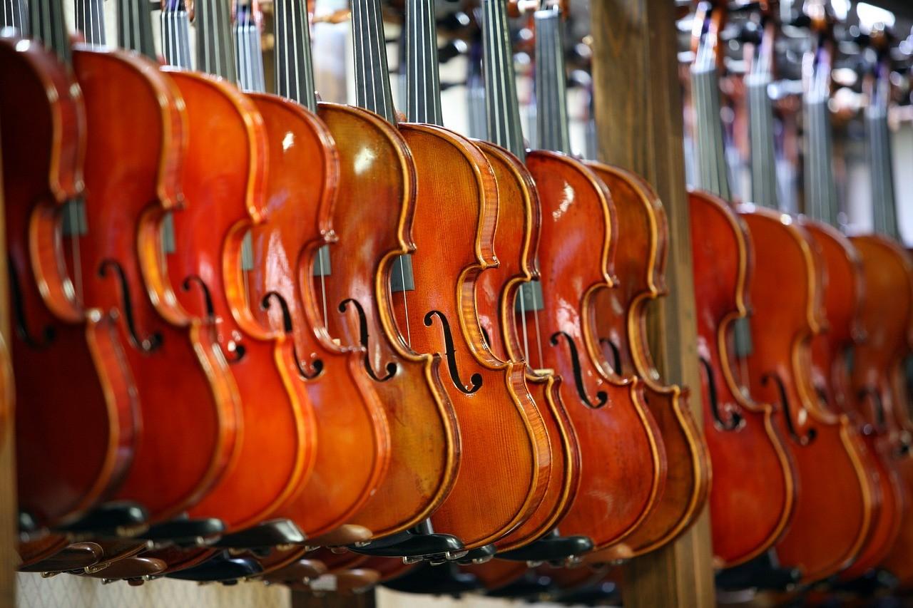 8,5 millió forint értékű hangszer beszerzési támogatással segítik a bicskei fiatalok zenei nevelését