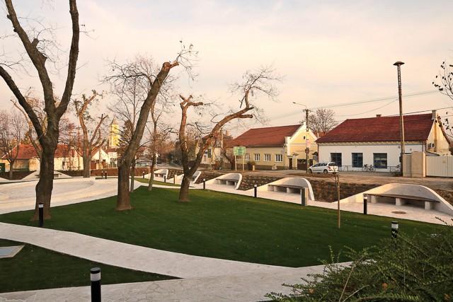 Megújult a régi park Csákváron