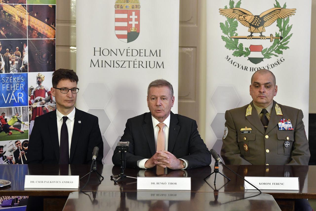 Az MH szervezeti átalakításáról és Székesfehérvárra gyakorolt hatásáról tartottak sajtótájékoztatót