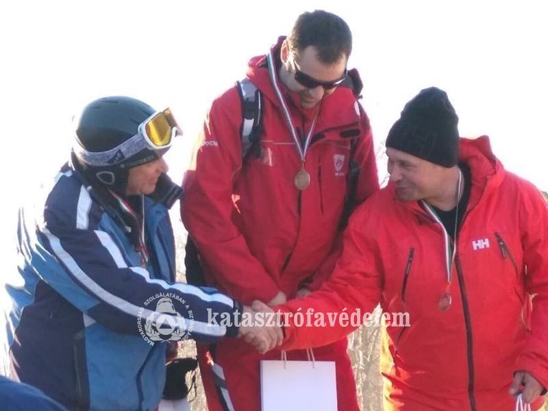 Székesfehérvári hivatásos tűzoltó a címvédő snowboard bajnok