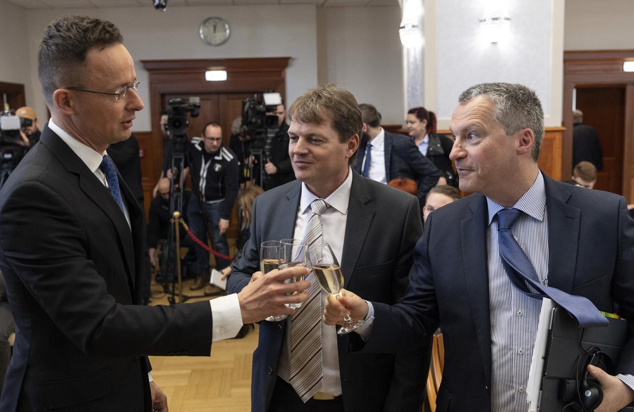 Több mint 14 milliárd forintból fejleszti dunaújvárosi papírgyárát a Hamburger Hungária Kft.