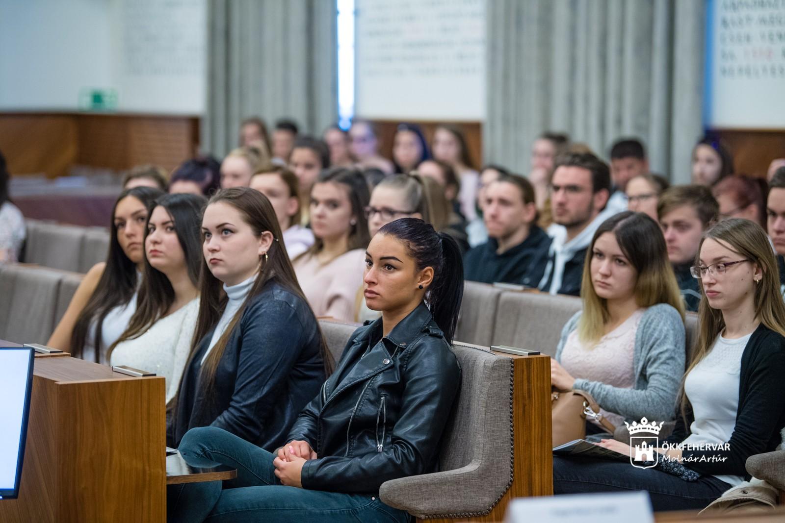 Egyre népszerűbb a Corvinus Székesfehérvári Campusának duális képzése
