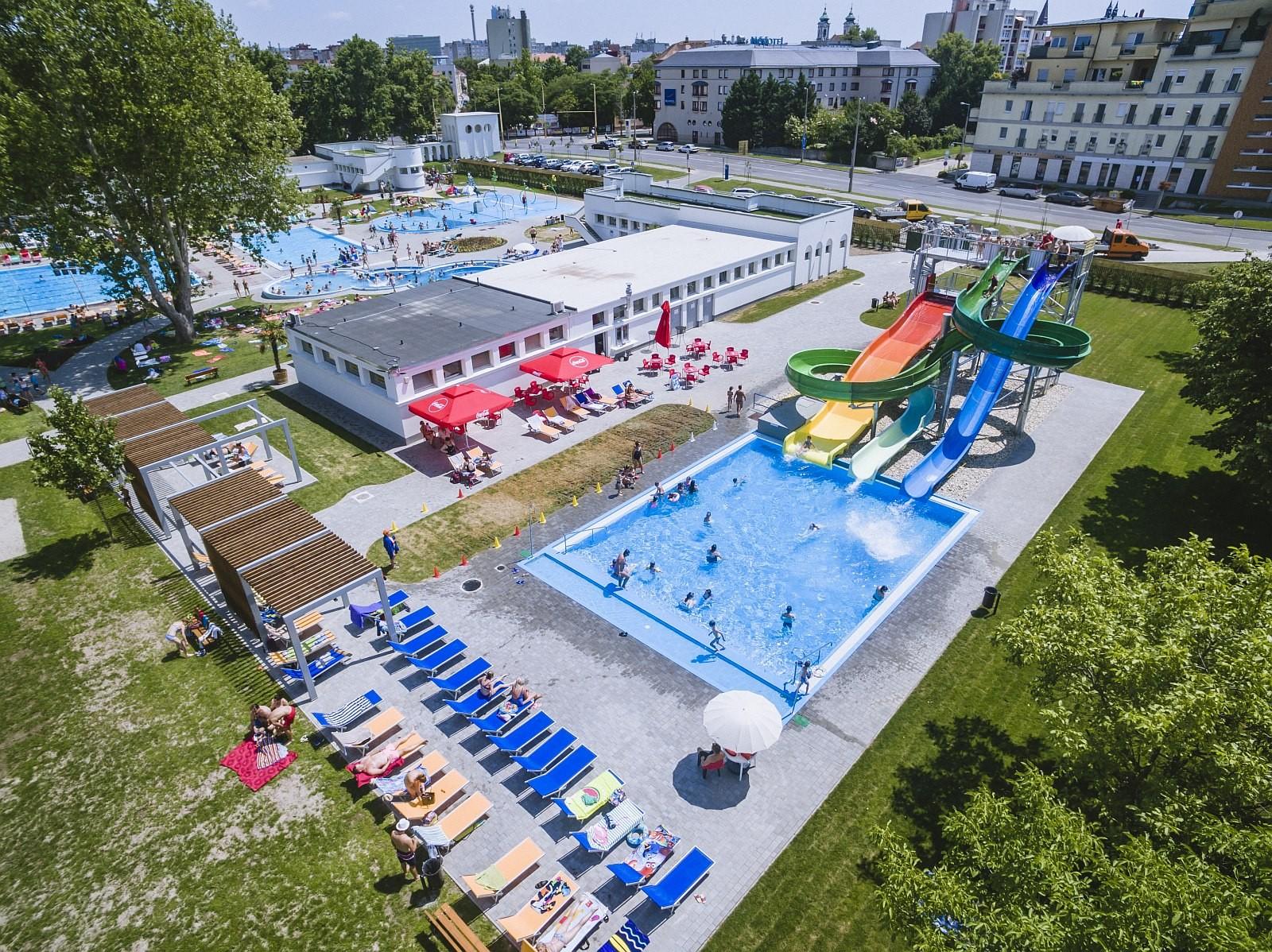 Holnap nyit a strand - csúszdák és vizes játszótér is várja a székesfehérváriakat