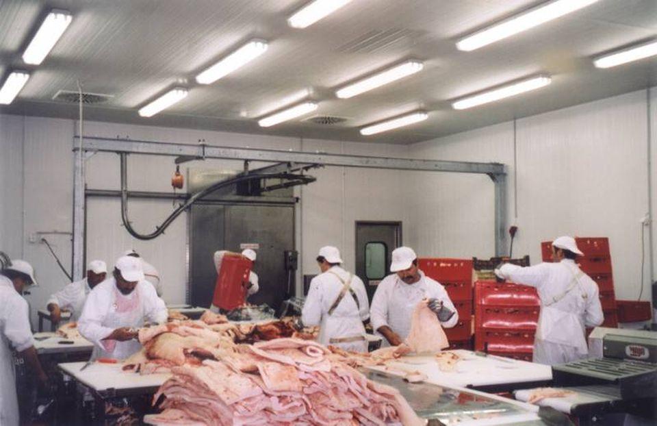 Többen érdeklődnek a Surjány-Hús megvásárlása iránt