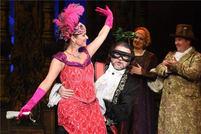 Szolnokon a Denevér című operett