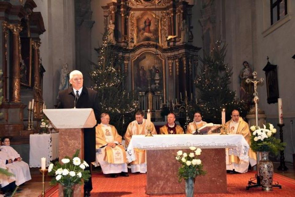 Püspöki szentmisével kezdődött Szolnokon az irgalmasság éve