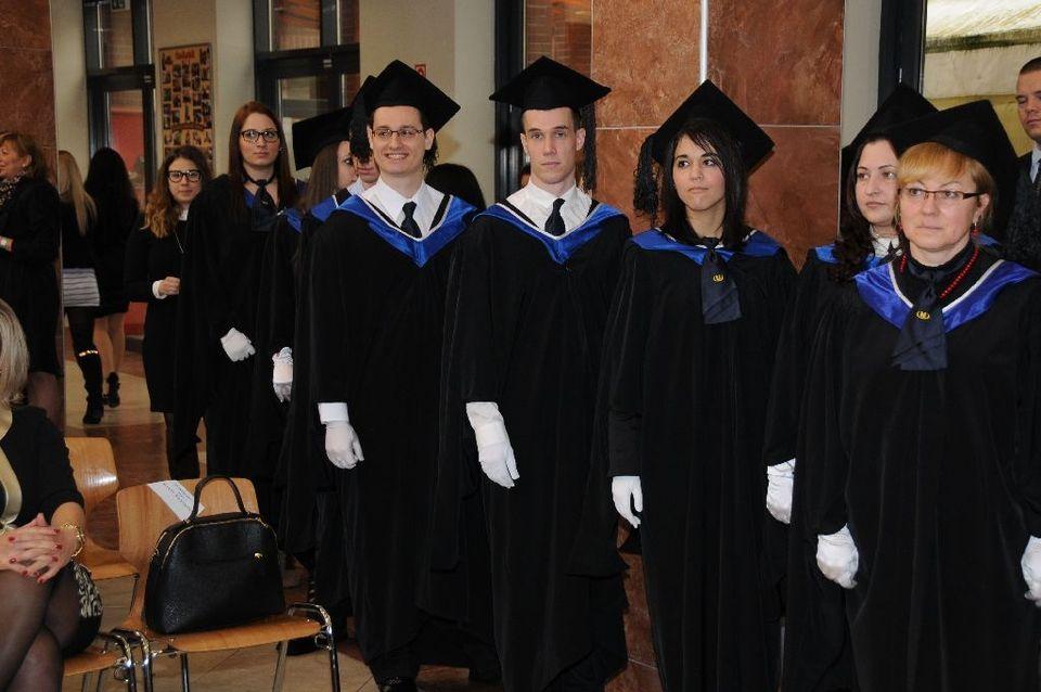 Diplomaosztó a Szolnoki Főiskolán