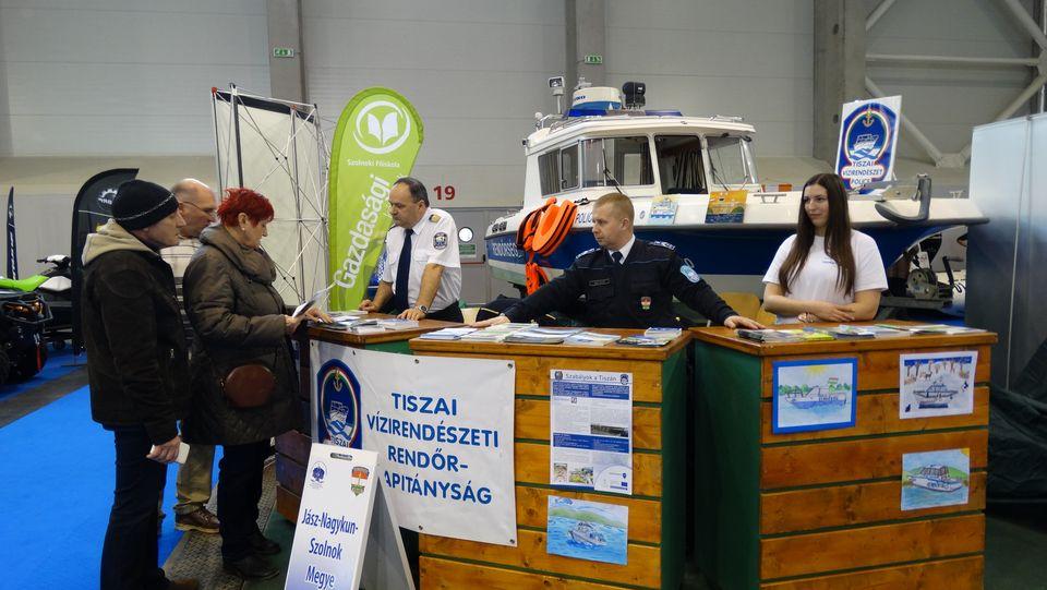 Tiszai vízirendőrök a 25. FeHoVa kiállításon