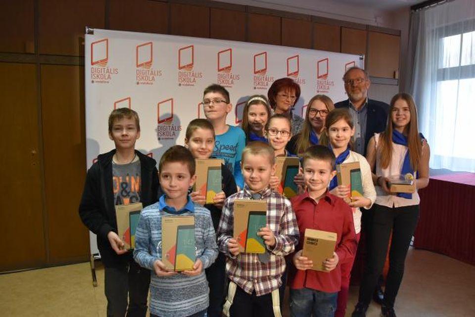 Szolnokra is megérkezett a Vodafone Digitális Iskola Program