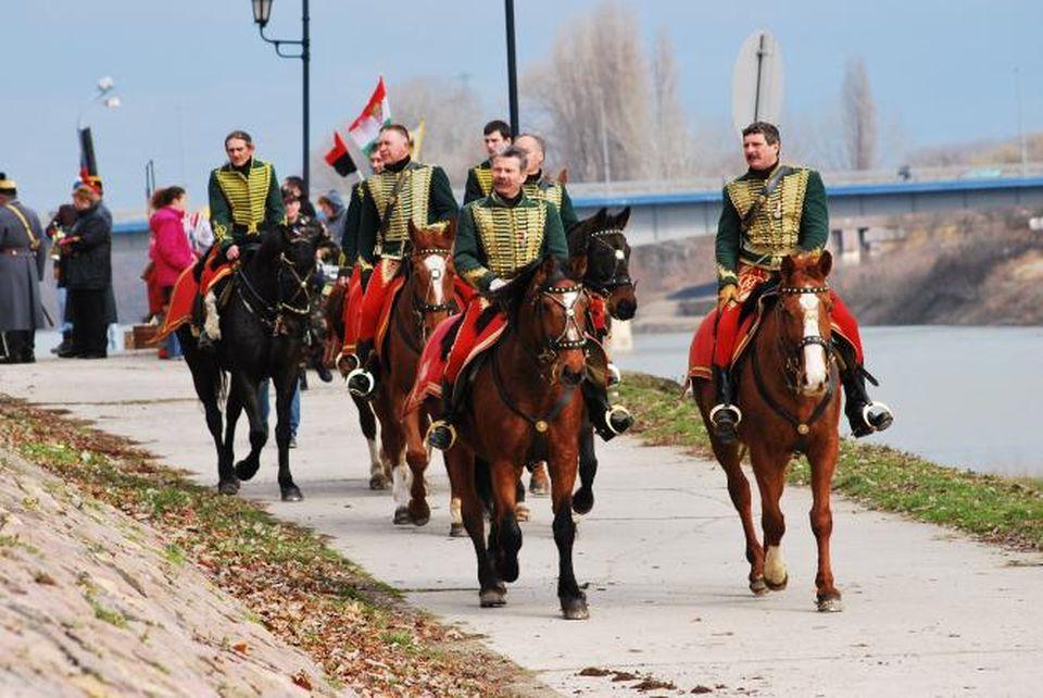 Vasárnap megelevenedik a Szolnoki csata