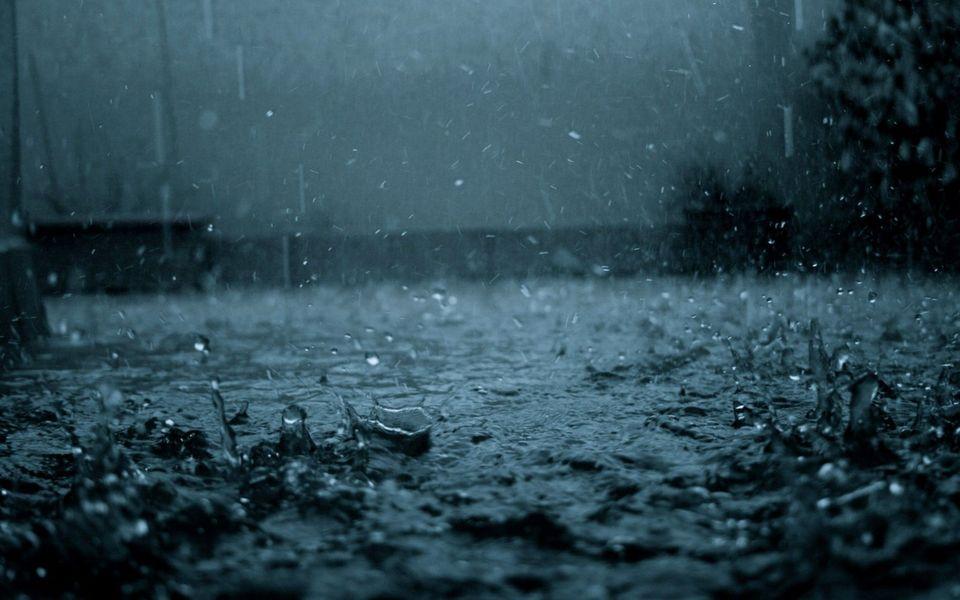 Jelentős mennyiségű esőre figyelmeztet a meteorológiai szolgálat