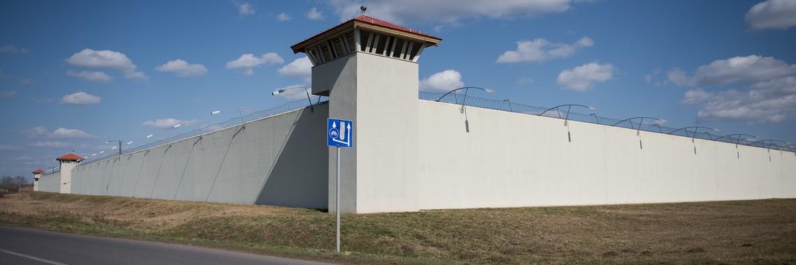 Meggyorsítják az új börtönök építését, Kunmadarason 1000 fős lesz