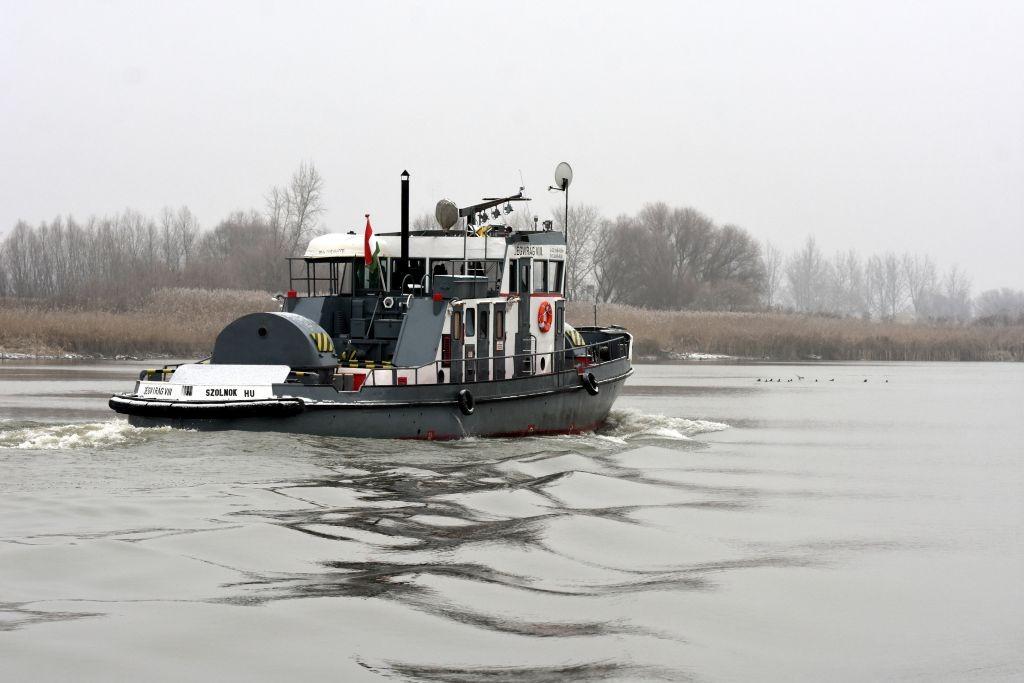 Készenlétben a jégtörő hajók