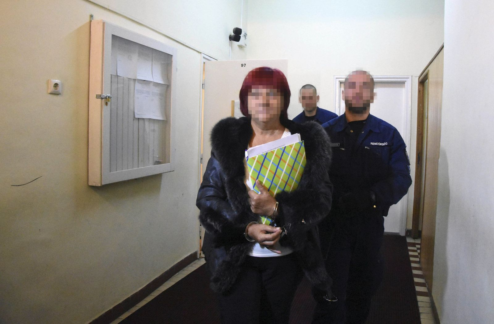 Nincs bizalom, egyenlőre letartóztatták Dobrai Sándornét