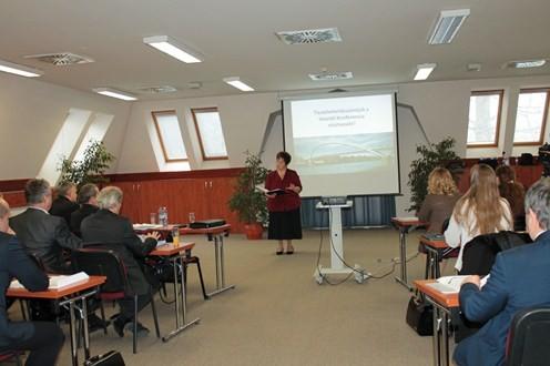 Szakmai konferencia a szolgáltató kormányhivatali és közigazgatási modell bevezetéséről