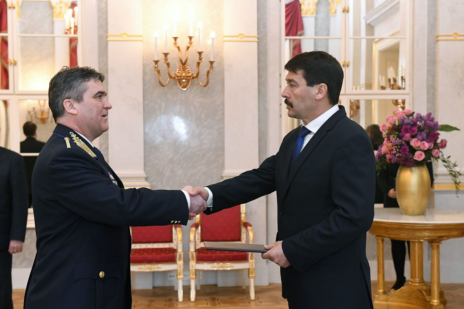 Dandártábornoki rangot kapott Urbán Zoltán