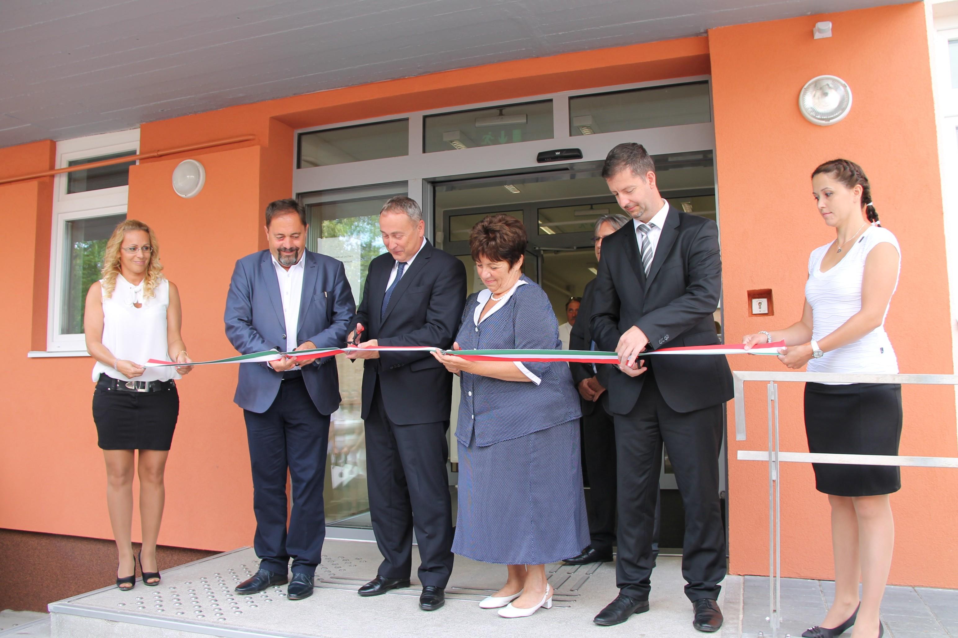 Átadták a Jász-Nagykun-Szolnok Megyei Kormányhivatal két korszerűsített épületét Jászberényben