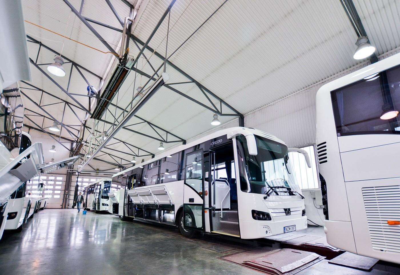 Új buszok állnak forgalomba a KMKK-nál