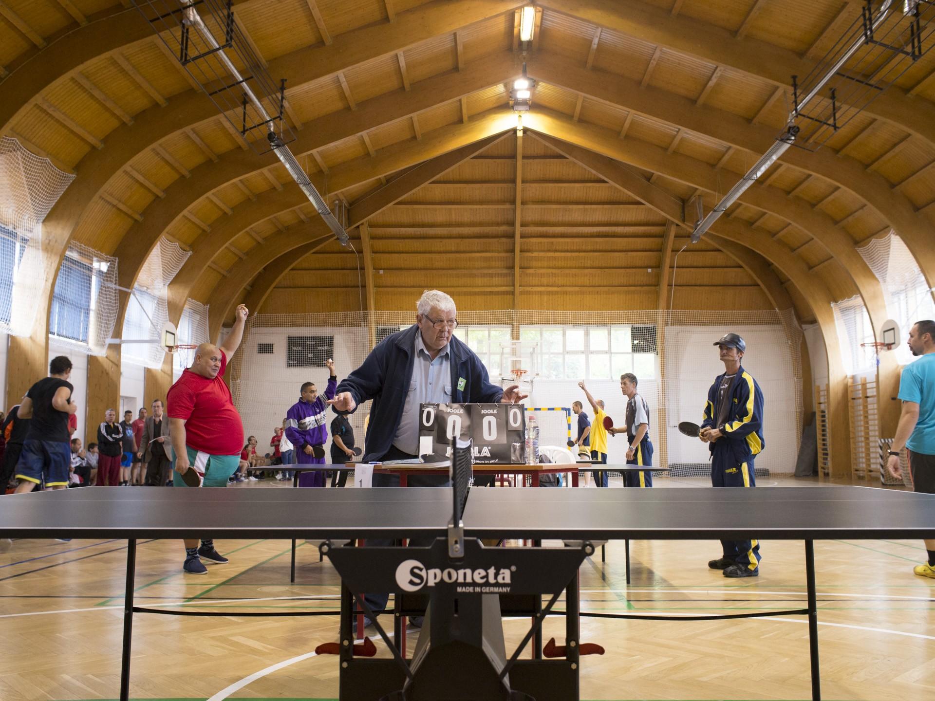 Szolnokon gyűltek össze a speciális olimpikon asztaliteniszezők