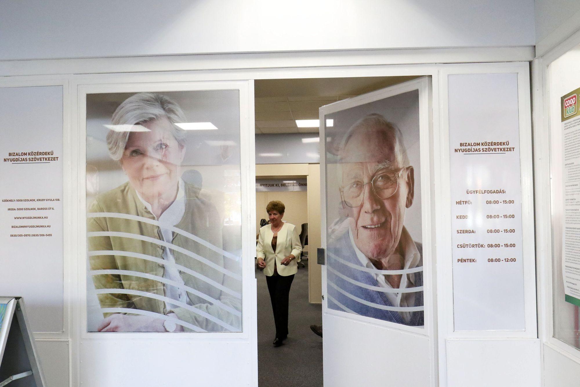 Partnerségi megállapodást kötött egy nyugdíjasszövetkezet és a Coop Szolnok