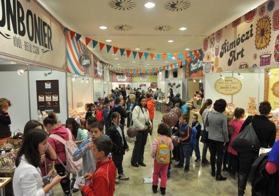 Tortadíszítés, kóstolók és kiállítások a szolnoki csokoládéfesztiválon