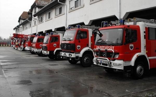 Volt dolguk a Szolnok megyei tűzoltóknak szilveszter éjjelén