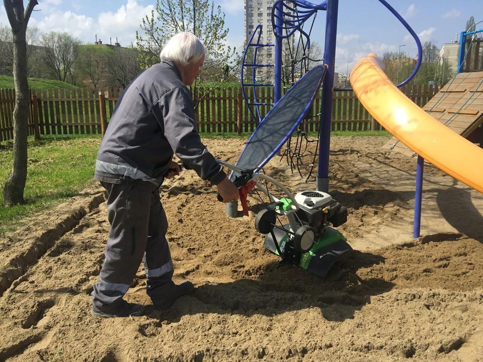 Tavaszi felújítást kapnak Szolnok játszóterei