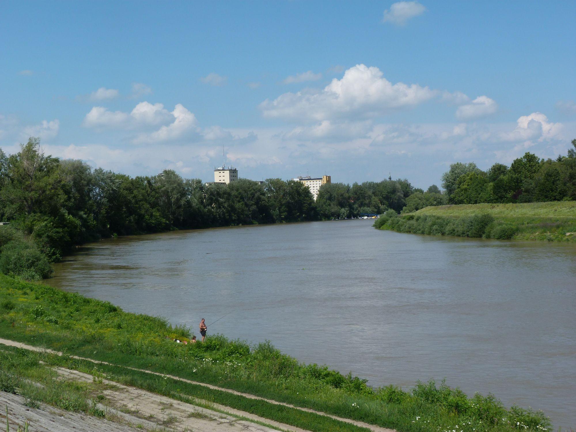 Tetőzés közelében a Tisza Szolnoknál