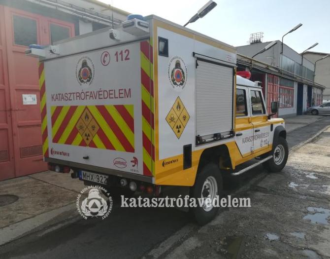 Szolnoki tűzoltók ismerkedtek a mobil laborral