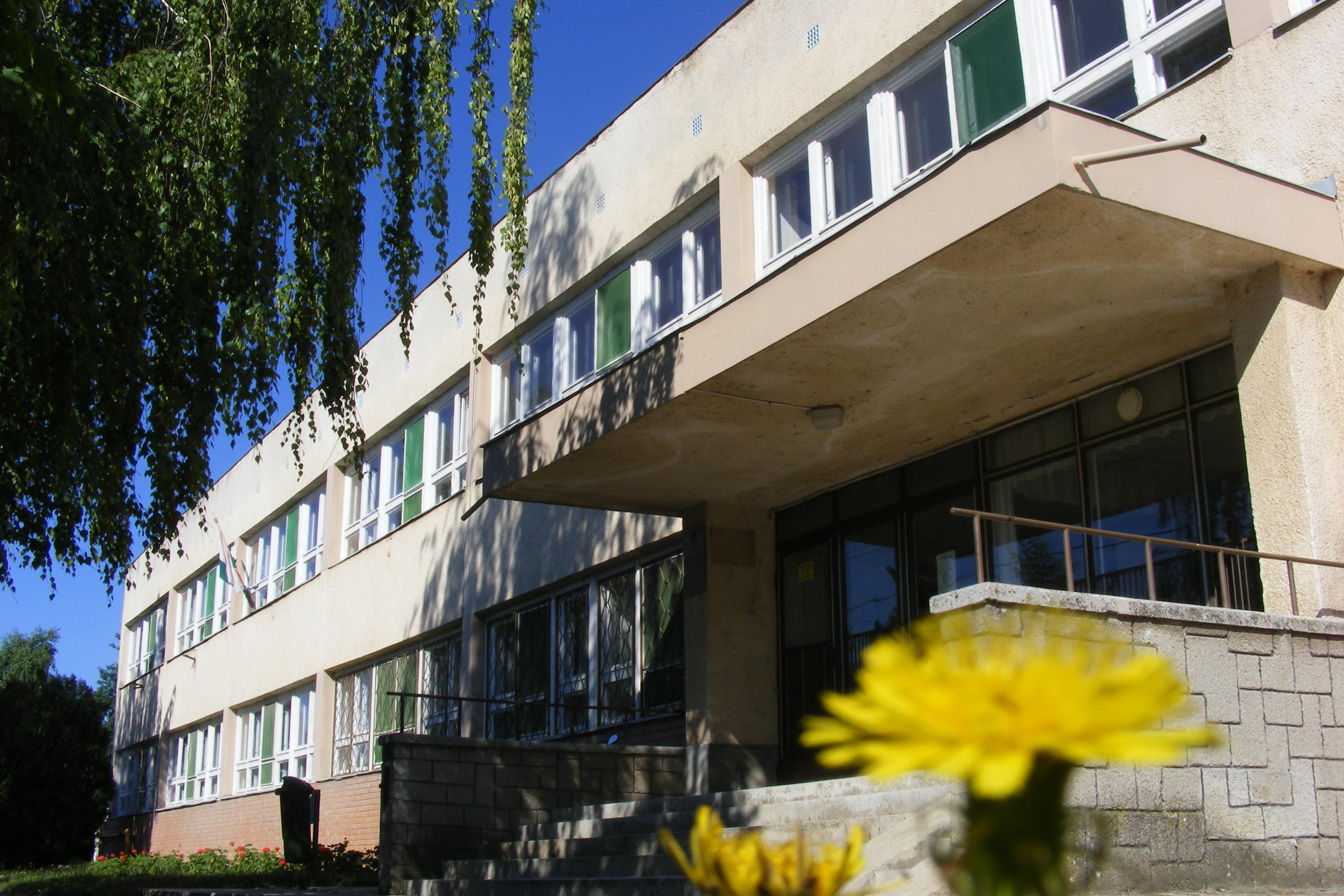 Tanépületeket fejlesztenek Kisújszálláson és Karcagon