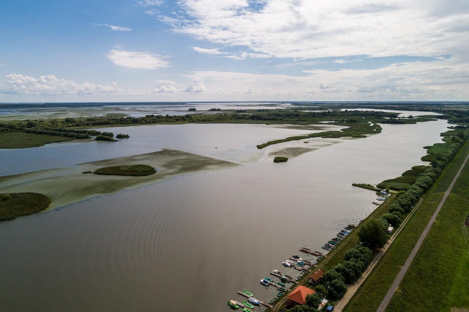 Pár év alatt a biciklisek paradicsomává vált a Tisza-tó