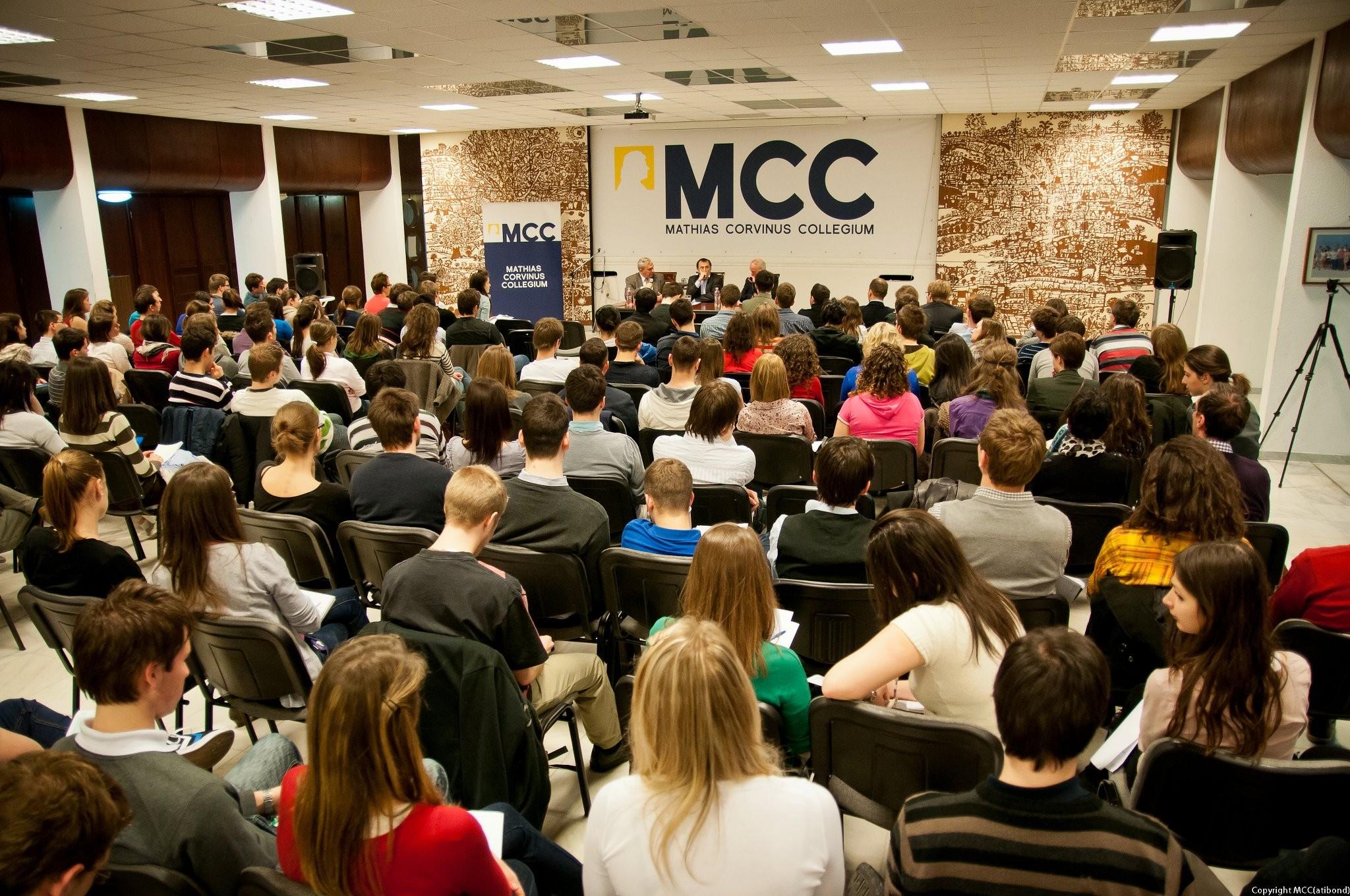 Január végéig várják a középiskolások jelentkezését a Mathias Corvinus Collegium képzéseire