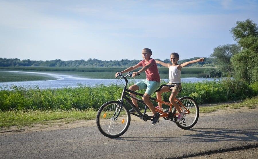 Új Tisza-tavi rekord 57 ezer biciklissel