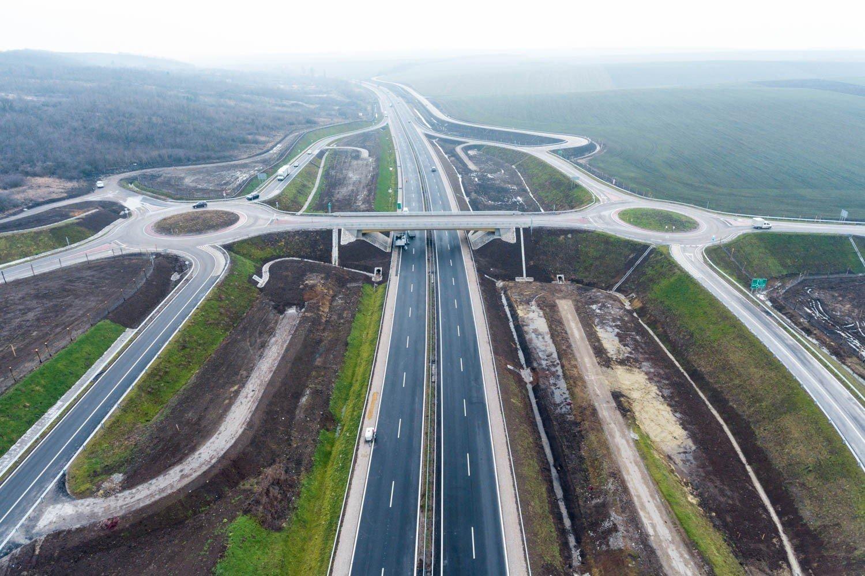 Kiderült, ki tervezi az M4-es Jász-Nagykun-Szolnok megyei szakaszát