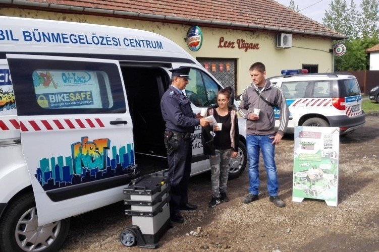 Ismét Jász-Nagykun-Szolnok megyében a bűnmegelőzési kisbusz