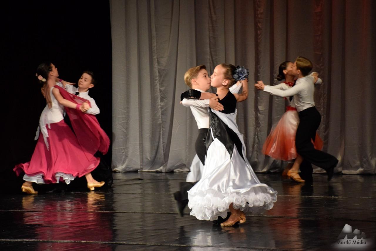 Látványos produkciók Martfű táncosainak évzáró gáláján