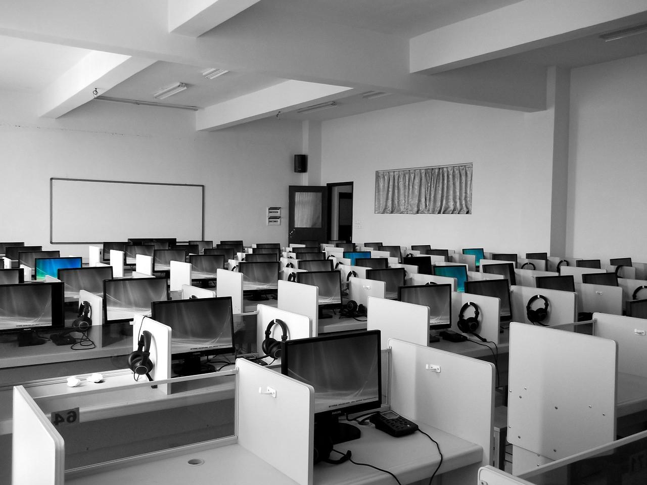 A számítógépes nyelvvizsga kevesebb stresszel jár, mint a hagyományos