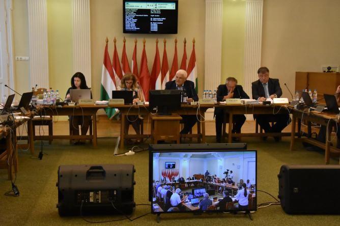 Induló fejlesztések, klímastratégia és futópálya készítése is téma volt  Szolnok közgyűlésén