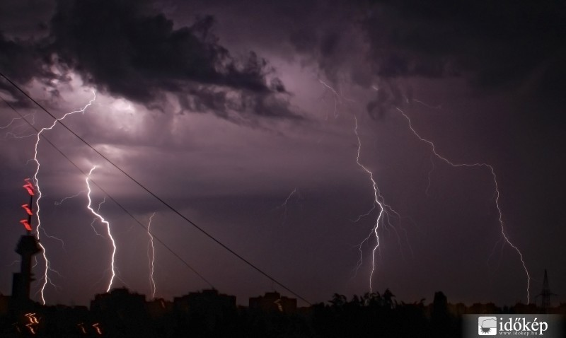 Megújult az Országos Meteorológiai Szolgálat villámlokalizációs rendszer