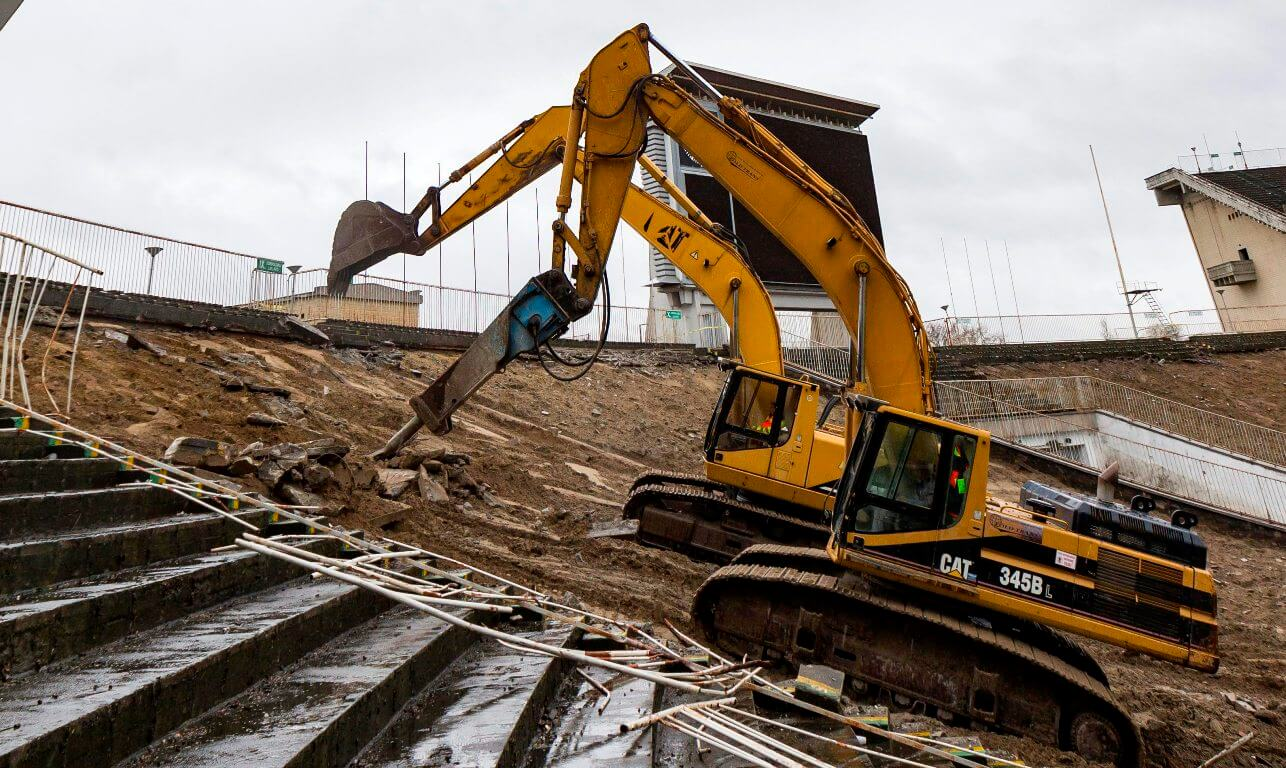 50 ezer köbméter betont bontanak le a Puskásban, decembertől épül az új aréna