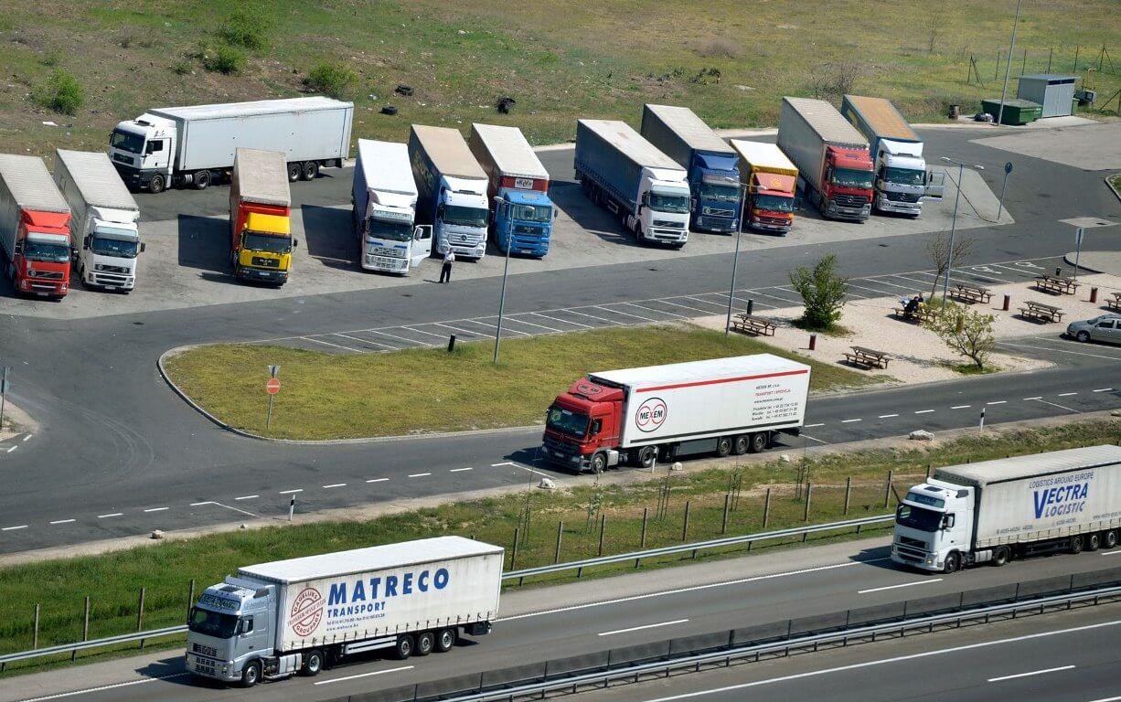 Befellegzett a túlsúlyos szlovén kamionoknak