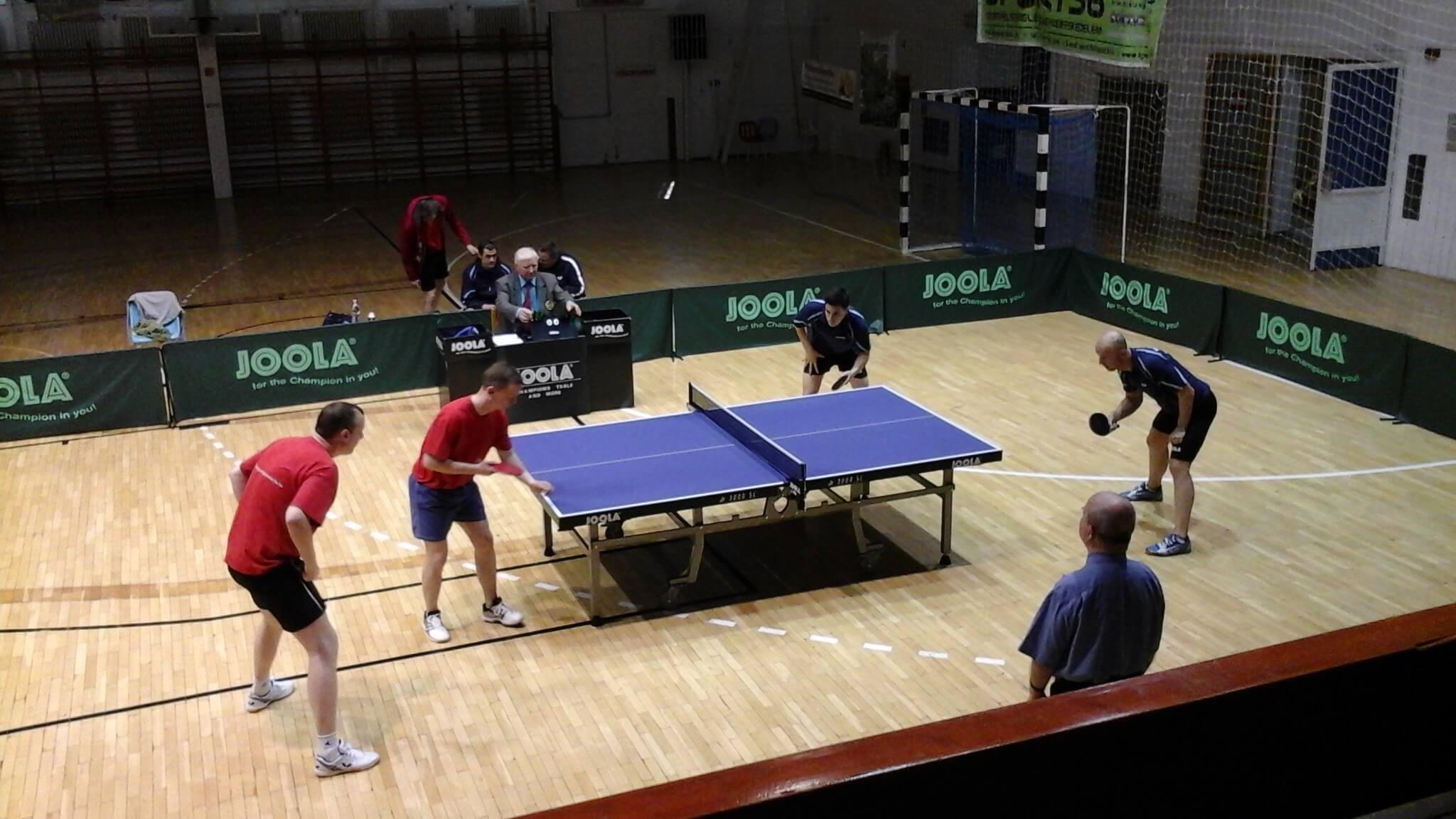 Közmunkaprogramban újult meg a sportcsarnok Komlón