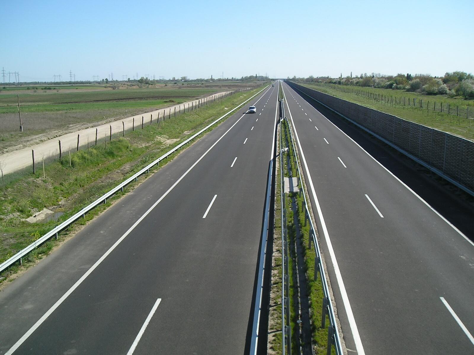 Tovább épül az M8-as autópálya