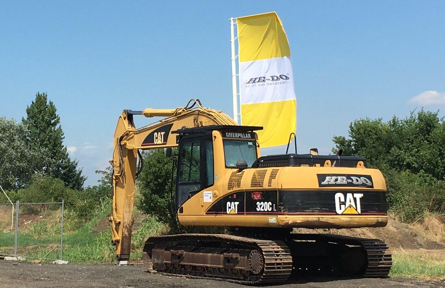 Máris új cégeket vonzott a térségbe a 21-es út felújítása