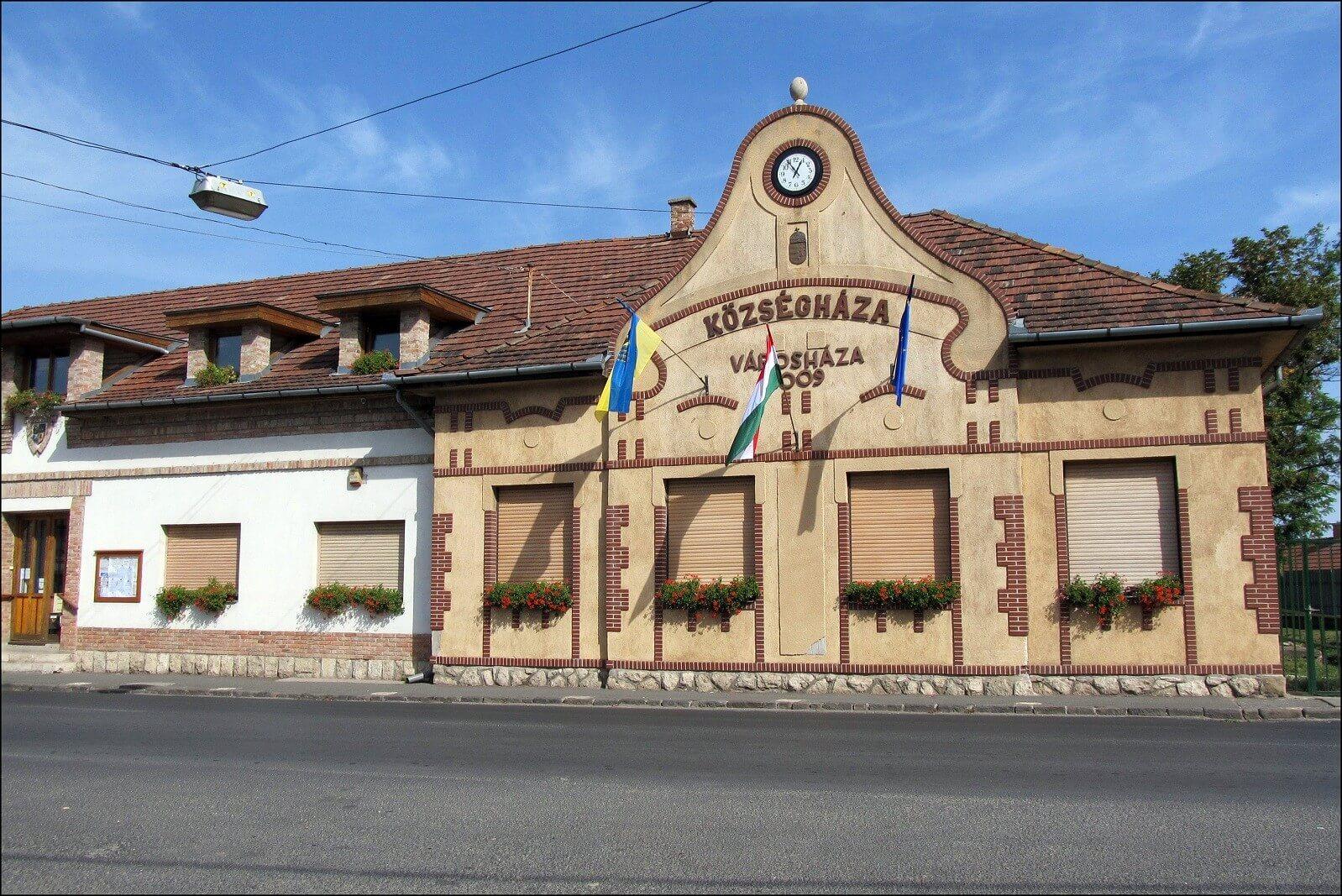 Napelemmel szerelik fel Budakalász középületeit
