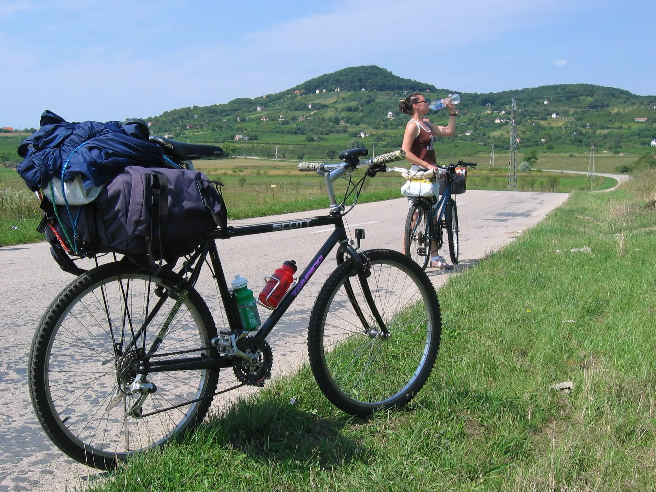Felpörgeti a kormány a turisztikai kerékpárutak építését