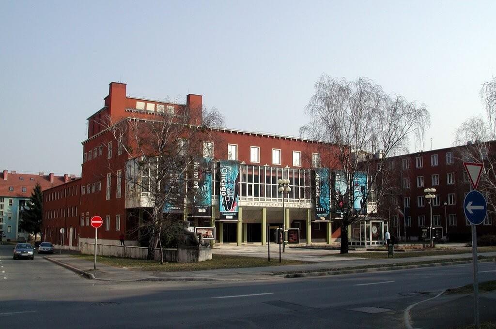 A ZÁÉV újította fel a 33 éves zalaegerszegi színház csarnokát