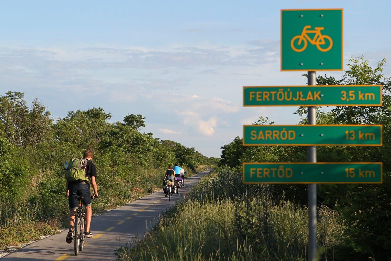 Harminc milliárdos fejlesztés és újfajta menedzselés a kerékpárutakon
