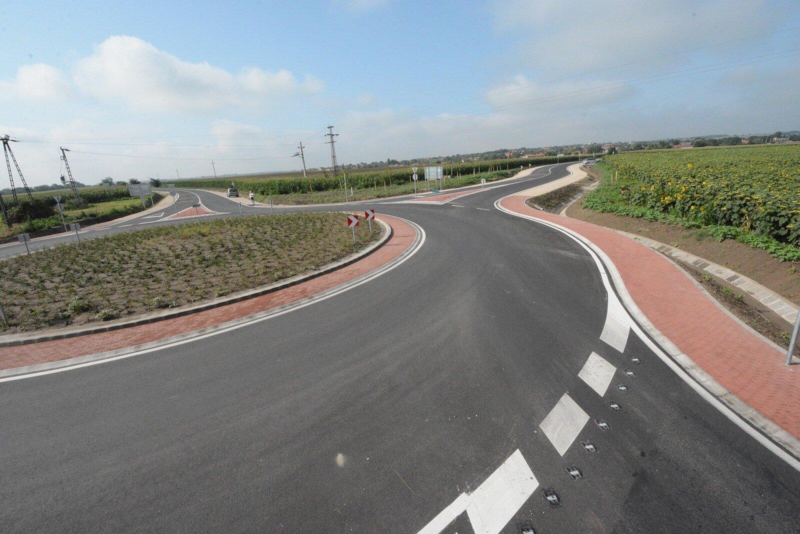 Fontos közúti beruházást adott át Székesfehérvár mellett az Útéppark